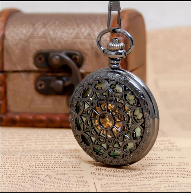 NEW Black Antique Spider Web Luminous Mechanical Men And Woman Pocket Watches Gift