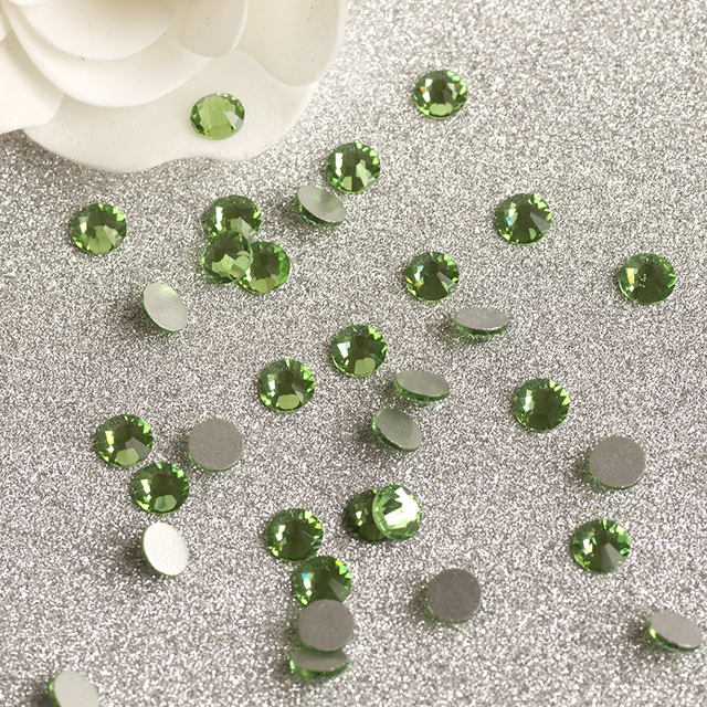 YANRUO SS30 288pcs Peridot Stones Non Hotfix Crystal Glass Glue on Green  Not DMC Stones for Decoration Clothes 325624ab9681