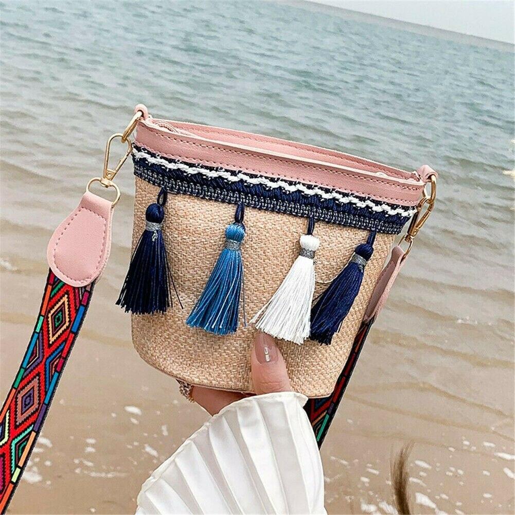 New Women's Beach Bag Hand-woven Rattan Straw Bag Casual Summer Fashion Tassel Shoulder Bag