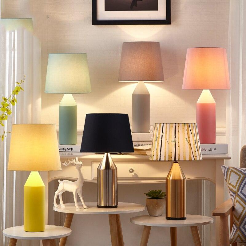 Lampe de Table moderne en métal Art déco lampe de chevet pour chambre salon Macarons gommage métal Art bureau lampe de bureau 6 couleurs