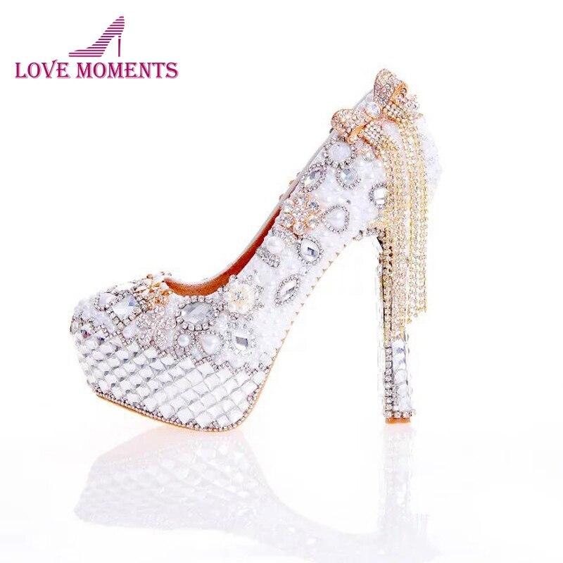 b689f5f9b40f3 2018 Nouvelle Arrivée Femmes Chaussures À Talons Hauts Blanc Perle et  Cristal Chaussures De Mariage avec