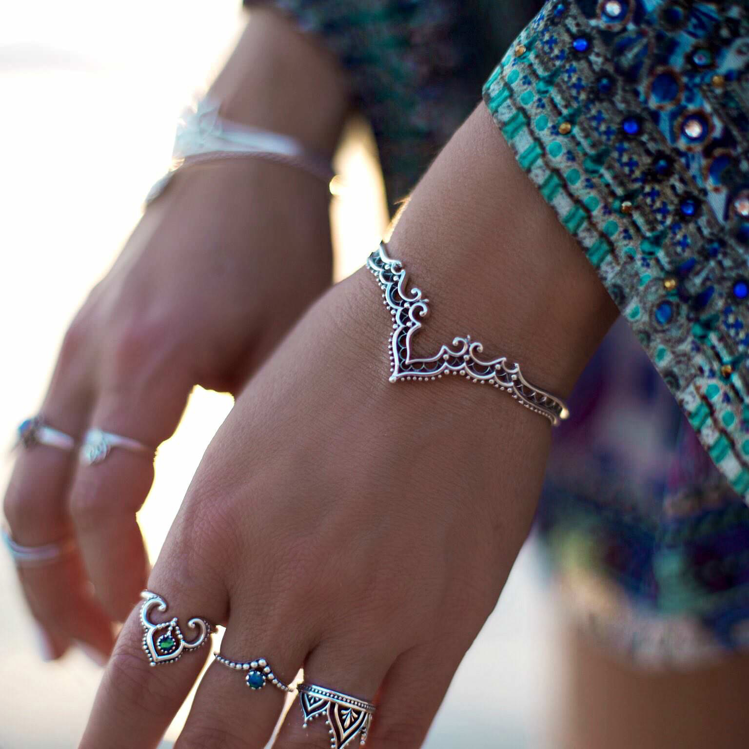 Hot Sale Simple Cuff Bracelet Gold-color Bangle Bracelet For Women Silver Color Metal Bracelet Fashion Jewelry Wholesale