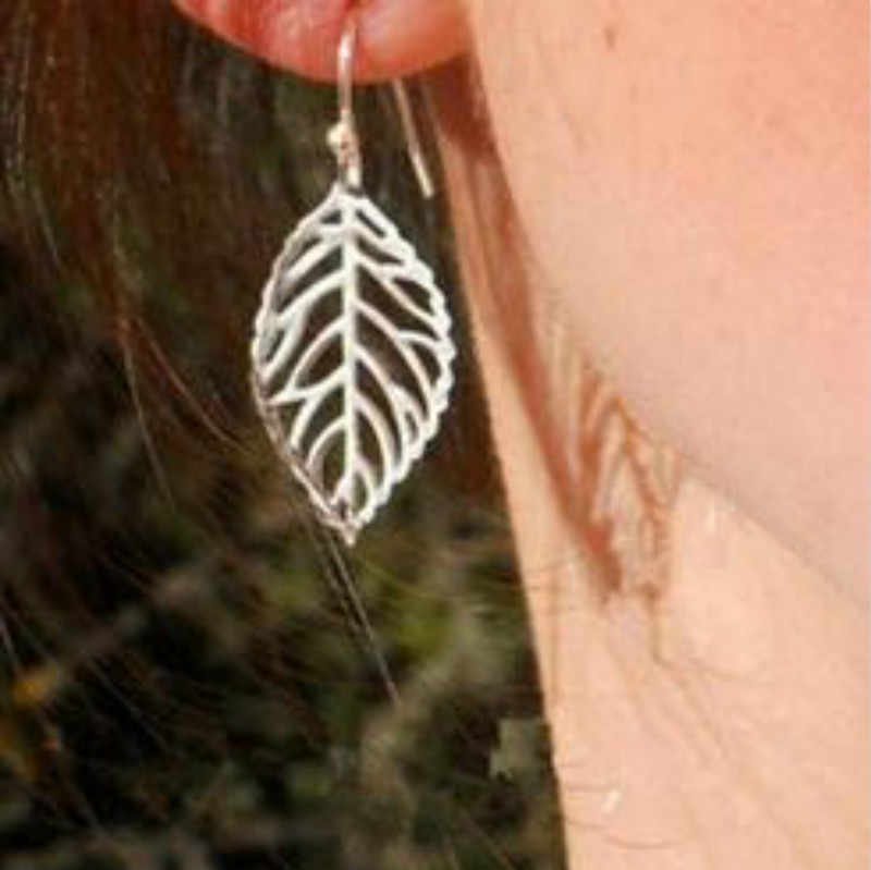 European and American jewelry fashion personality temperament simple Tucson-based metal leaf earrings Earrings For Women