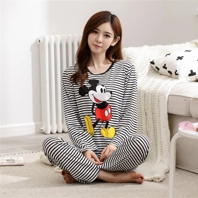 Sleeved pyjamas Women nightwear