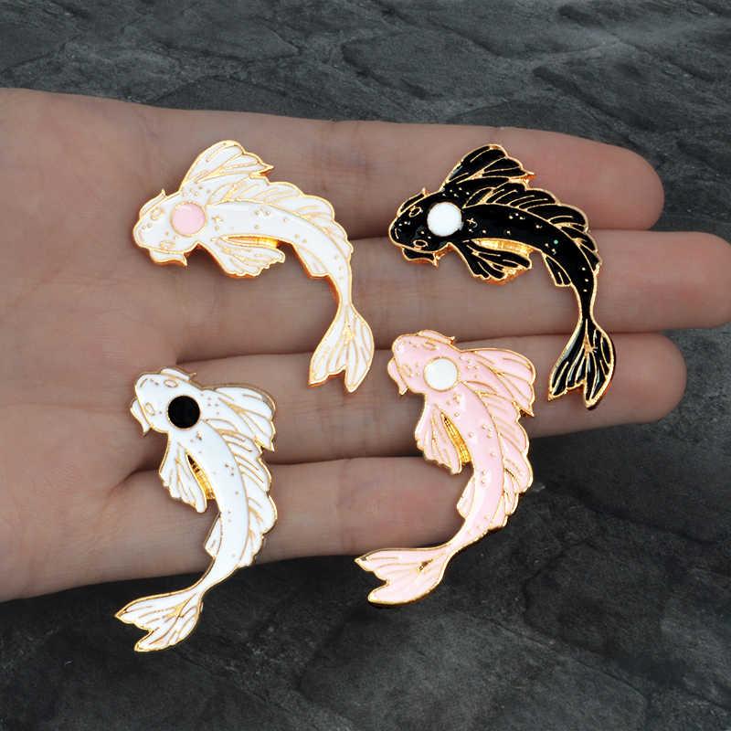 Đen Trắng Koi Pin Nhật Bản Koi Mang Lại May Mắn Cá Men Lưng Chân Phù Hiệu Động Vật Chân Xòe Nữ Trang Sức làm Quà