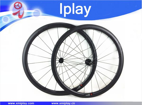 700C Racing Bicycle carbon wheels 38mm Carbon Road Bike Wheelset clincher R13 carbone wheels china 23mm width, free shipping700C Racing Bicycle carbon wheels 38mm Carbon Road Bike Wheelset clincher R13 carbone wheels china 23mm width, free shipping