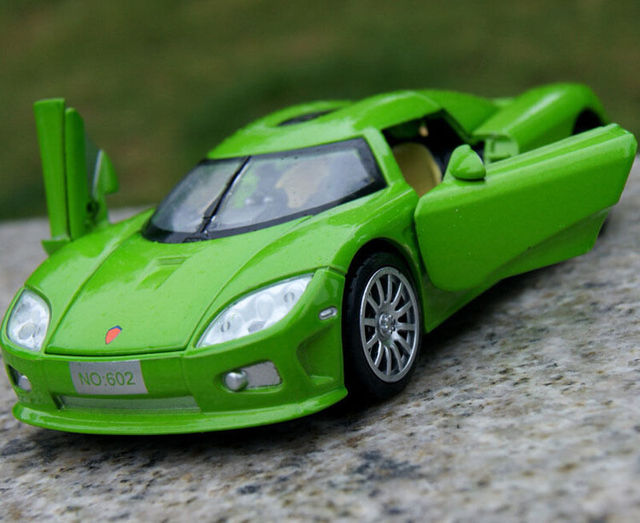 Blue/Green/Black Collectible Electronic 1:32 Scale Koenigsegg Diecast Alloy Car Model Toys Four-door With Light & Sound E