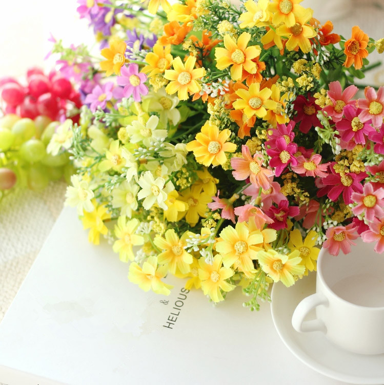 Cute Silk Daisy Artificial Flower With One Bouquet 7 Branch 28 Heads For Wedding Decoration 23