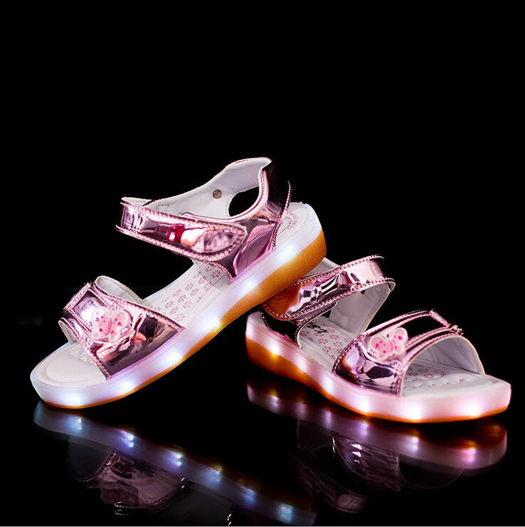 New-2017-European-Lovely-summer-lighting-baby-sandals-princess-girls-clogs-hot-sales-fashion-USB-recharged-kids-baby-shoes-1