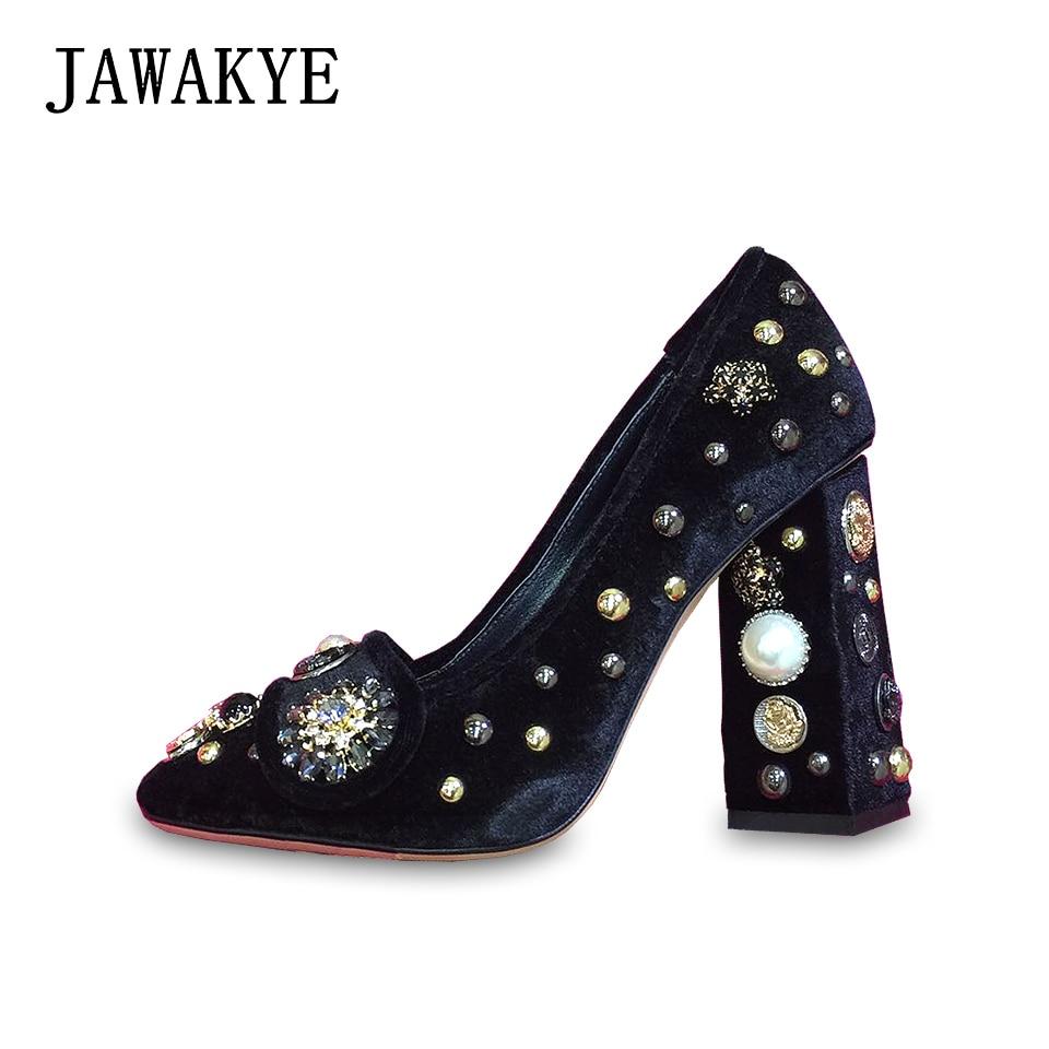 JAWAKYE ретро горный хрусталь шипованных бархат Для женщин Туфли лодочки Стиль Коренастый Обувь на высоком каблуке обувь синий и красный цвета