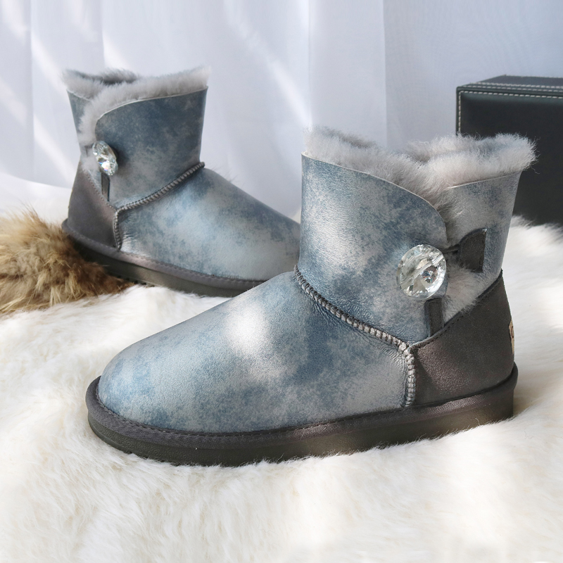 Short Sheepskin Snow Boots Women Genuine Leather Short Crystal Button Boots Winter Natural Wool Sheep Fur BootsShort Sheepskin Snow Boots Women Genuine Leather Short Crystal Button Boots Winter Natural Wool Sheep Fur Boots