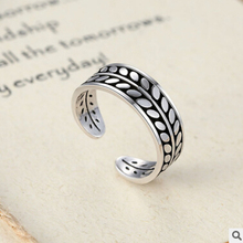 New arrival high quality retro style Thai silver 925 sterling silver ladies`adjustable size finger rings for lovers`gift ring