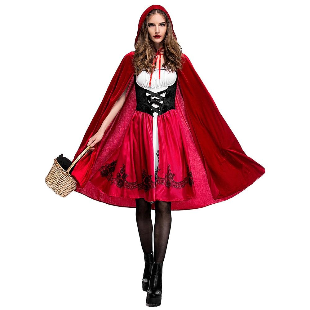 איש בתחפושת כיפה אדומה עם שמלה אדומה, כיסוי ראש אדום וסלסלה