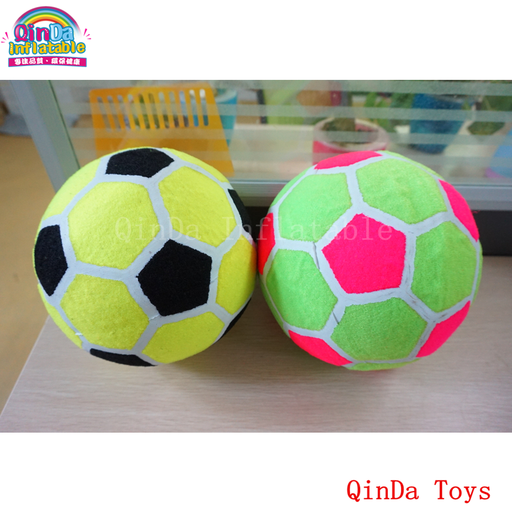 6 pieces of 20 cm sticky soccer ball for foot dart games,free hand pump Inflatable sticky ball for dartboard soccer balls size 4