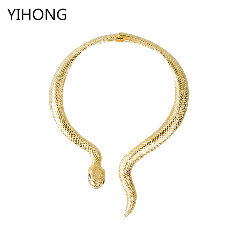 2017 new arrival Sexy luxury exaggerated golden snake necklace long party necklace fashion colar jewelry collares for women exaggerated vintage style golden spiral pendants alloy necklace for women