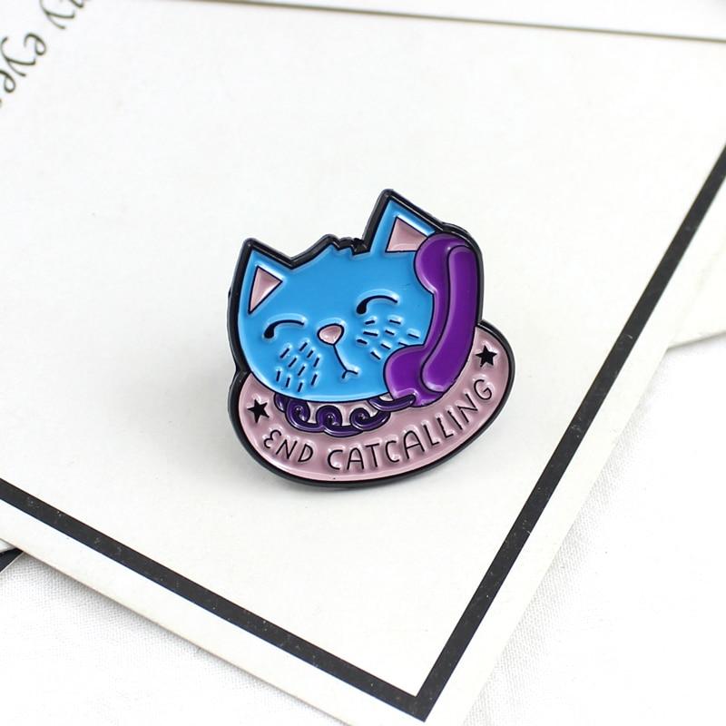 Cute cartoon niebieski koniec zadzwoń kot broszka emaliowana fioletowy telefon różowy kot miska na karmę szpilki zwierząt godło prezenty dla dzieci dla miłośników zwierząt