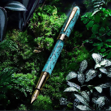 цена Montagut Celluloid Mini Fountain Pen Green-Seaweed Pocket Size Golden Clip Iridium Fine Nib 0.5mm Fashion Writing Gift Pen онлайн в 2017 году