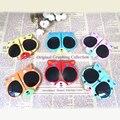2016 nuevos Niños de dibujos animados gafas de sol Pequeño Panda Niños/Niñas Gafas Oculos Plegable bebé Sombrillas gafas preciosas