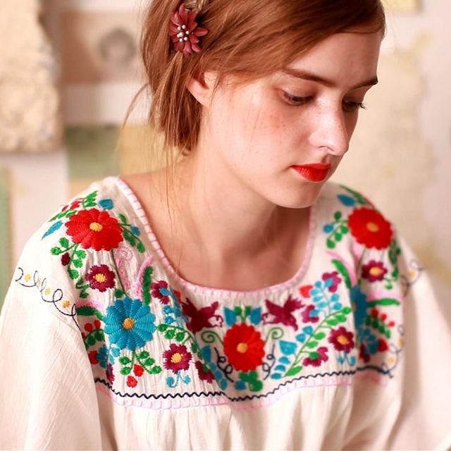 LYNETTE'S CHINOISERIE Summer Original Design Women High Quality Vintage Mexican Style Embroidery Flower Vintage Cotton Shirt