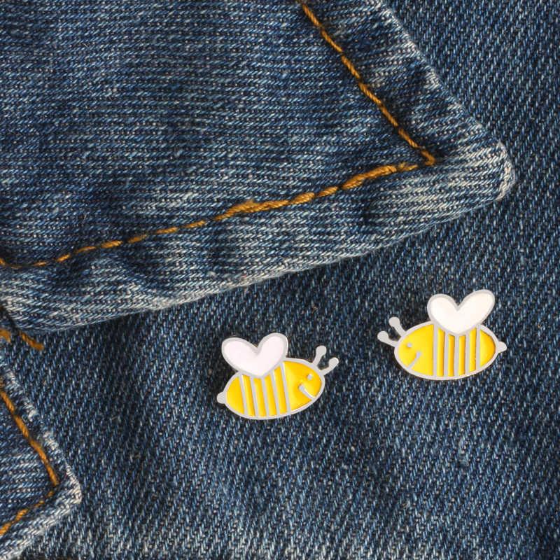 Infantile Cute Piccole Api Del Fumetto Spille 3 Pcs Set Api Vestiti Bottone In Metallo Spilli Cappello Sacchetto Distintivo Regali Per I Bambini gioielli Homme