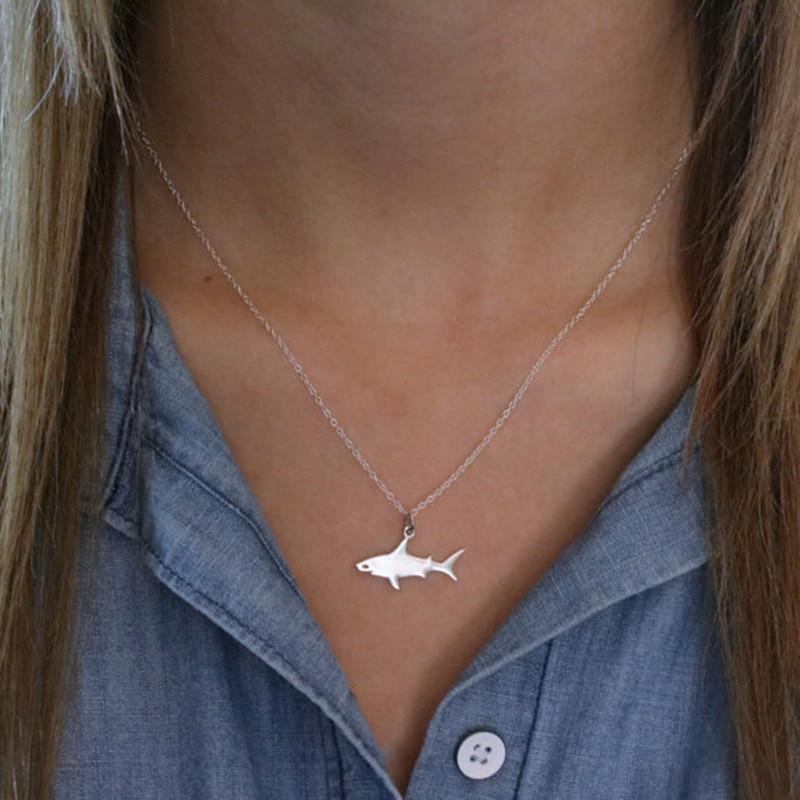 Kleiner Hai Anhänger mit Halskette