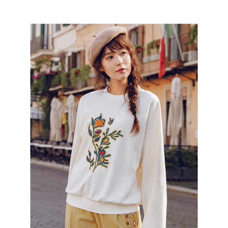 INMAN Sport Causal Sport Applique Loose Style Embroidery Off Shoulder Sweatshirt