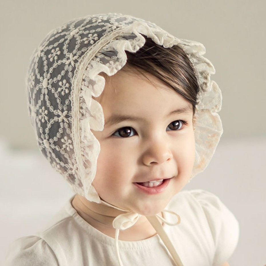 Lace Princess Baby Hat Sweet Ruffles Hollow Hat For Girls Lace Up Flower Girls Beanie Summer Autumn 6-18M Baby Girls Clothing