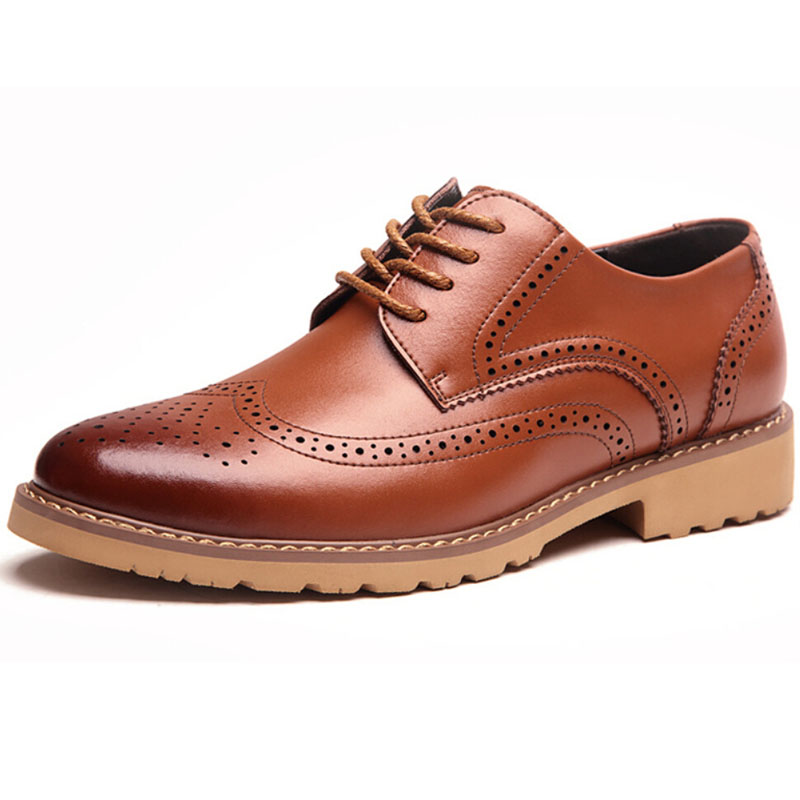 In a wide range of men shoes that are available, brogues are iconic for their vibrant personality. For the charmer in you, there is no better shoe to flaunt and set a statement than brogues. Choose from the best of brands like Metro, Da Vinchi Shoes online, Franco Leone, and many more.