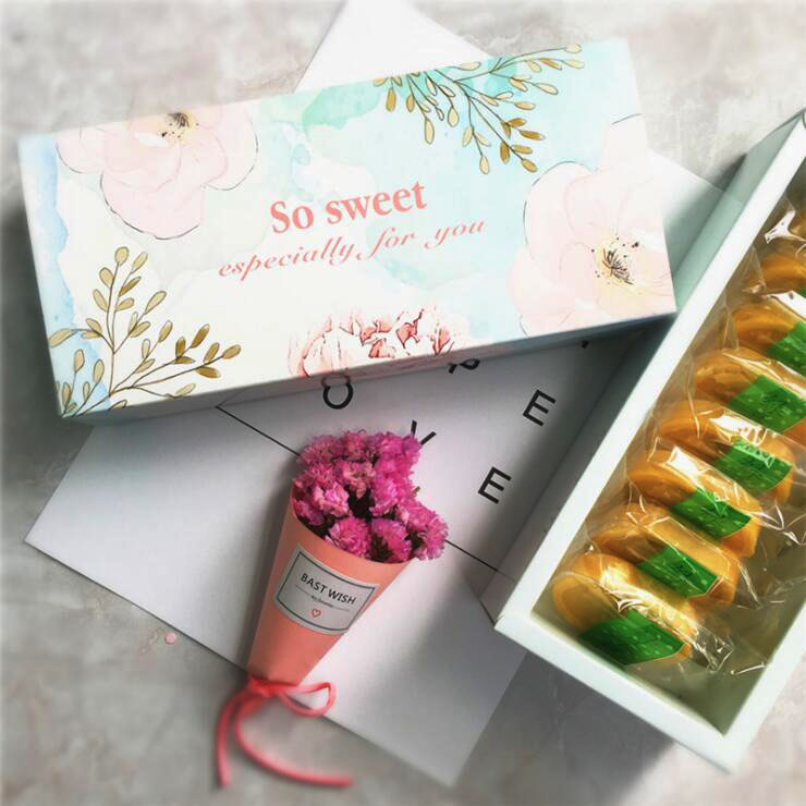 24pcs/lot So sweet Simple Colorful Open-Window Dessert Macarons Box Cake Box Chocolate Muffin Biscuits Box for Cookie Package
