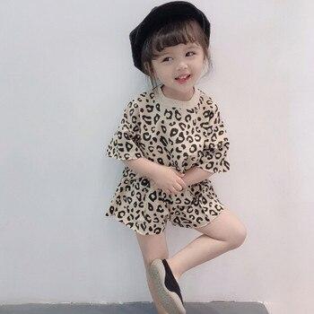 0f334a2b2 Niño niños bebé niñas trajes ropa de leopardo camiseta Tops + Pantalones  cortos 2 piezas, Conjunto Inverno niña Ubrania Dla Dziewczynek