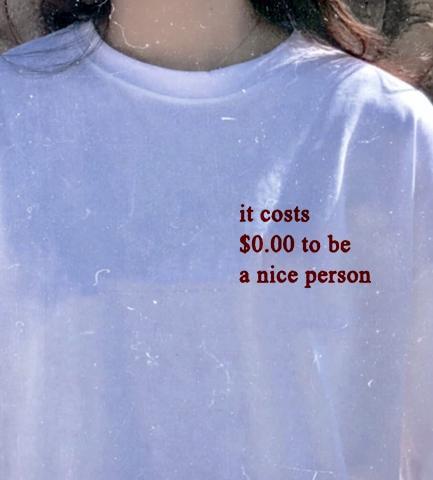 Damentaschen Intellektuell Es Kostet $0,00 Zu Werden Eine Schöne Person T Frauen Tumblr Grafik Shirts Sommer Mode Tumblr Grunge Mode Weiß T Duftendes Aroma