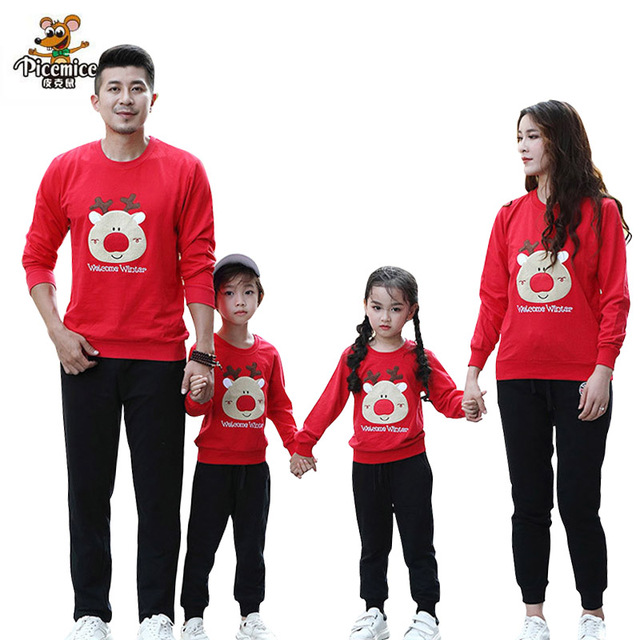 9cf4b520b4 2019 New Year Family Clothing Christmas Deer Family Look Mother Daughter Father  Son Cotton Boys Shirt Family Matching Outfits