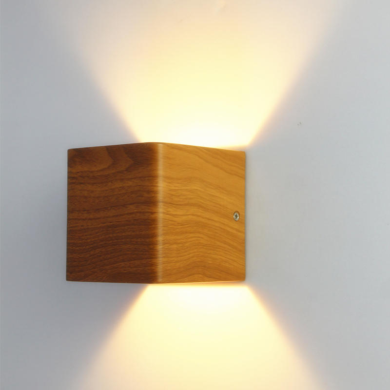 ФОТО 2 pieces/lot Wood Grain Wall Lamp 10*10*10cm Aluminum 90~260V 5W Led Up Down Light Bedside Lights Led Stair Lighting WWL001