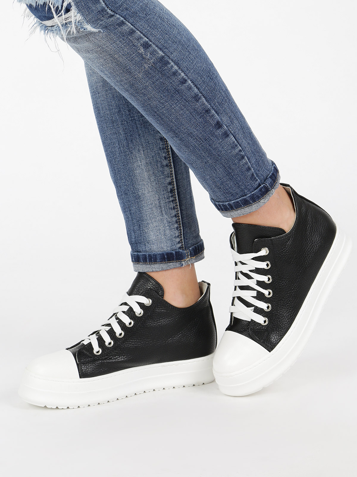 JANESSA Low Sneakers