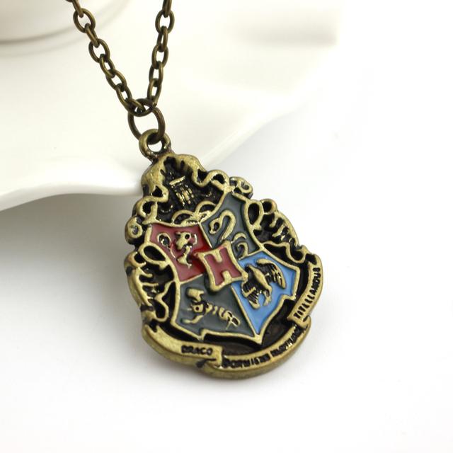 Hogwarts Gryffindor Hufflepuff – Slytherin Ravenctaw School Crest Necklace & Pendants Jewellery