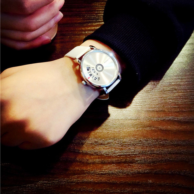 New Students Creative Personality Korean Simple Decorative PU leather Watches Women's Fashion diamond bracelet watches