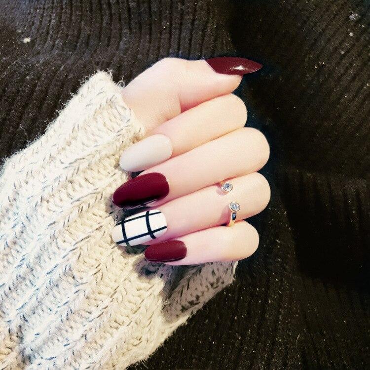 189 5 De Descuento24 Piezas Blanco Rojo Vino Prensa En Uñas Falsas Con Diseños De Rayas Negras Cubierta Completa Uñas Falsas Acrílico Falso Ongles