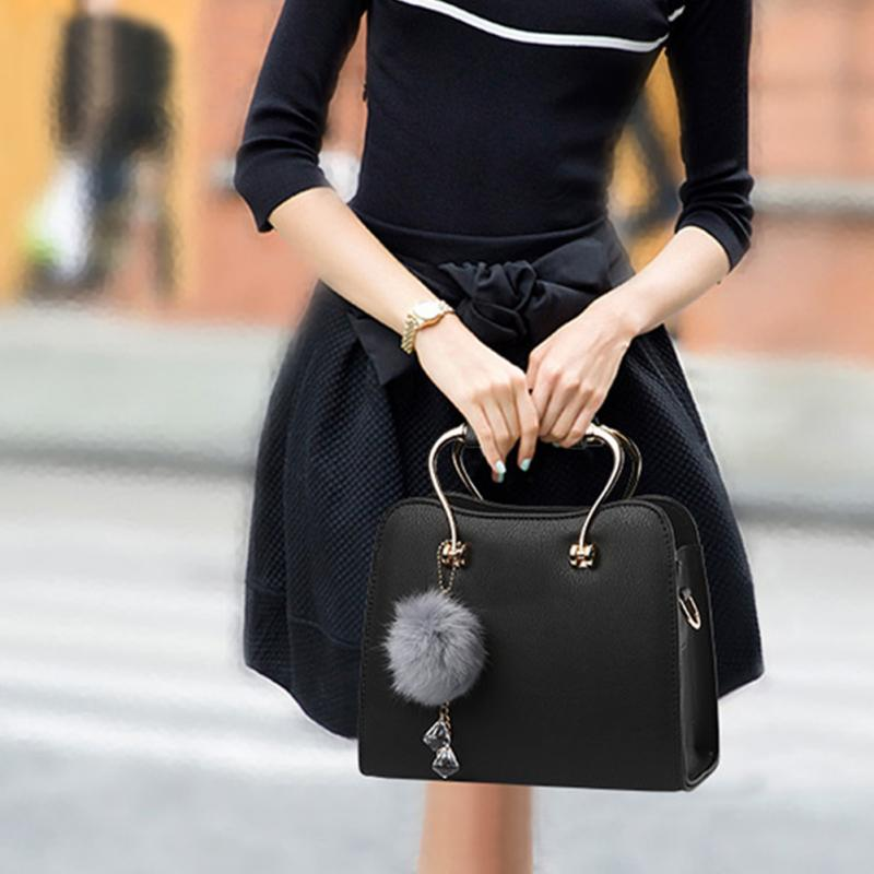 2017 Women Shoulder Bags Crossbody Bag For Women Handbag High 1uality PU Leather Casual Tote Bag With Fur Ball