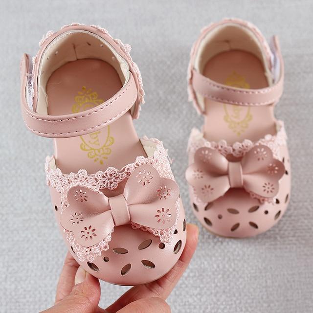 최신 여름 키즈 신발 2020 패션 가죽 소녀를위한 달콤한 어린이 샌들 유아 아기 통기성 Hoolow Out Bow Shoes