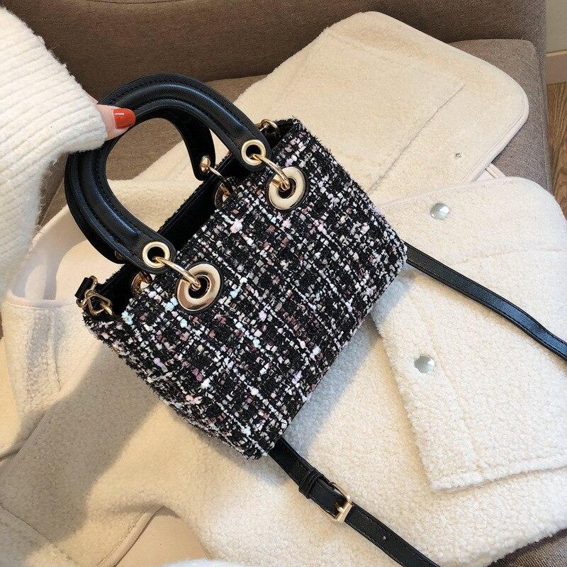 คุณภาพสูงยี่ห้อ designer กระเป๋าผ้าขนสัตว์ฤดูหนาวกระเป๋าถือขนาดเล็กกระเป๋าถือสุภาพสตรีกระเป๋าถือกระเป๋าหนัง pu chain-ใน กระเป๋าสะพายไหล่ จาก สัมภาระและกระเป๋า บน AliExpress - 11.11_สิบเอ็ด สิบเอ็ดวันคนโสด 1