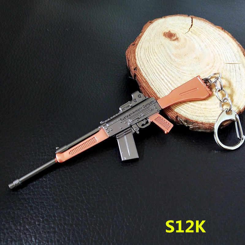 Spiel PLAYERUNKNOWN'S SCHLACHTFELDER Cosplay Kostüm Keychain akm 98k Waffe Modell Keychain PUBG Pan Helm Für Fan der Geschenk