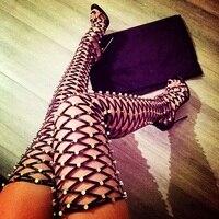 Для женщин Летняя обувь 2018 Золотой заклепками размахивая выдалбливают Для женщин высокие сапоги открытый носок со шнуровкой сзади женские