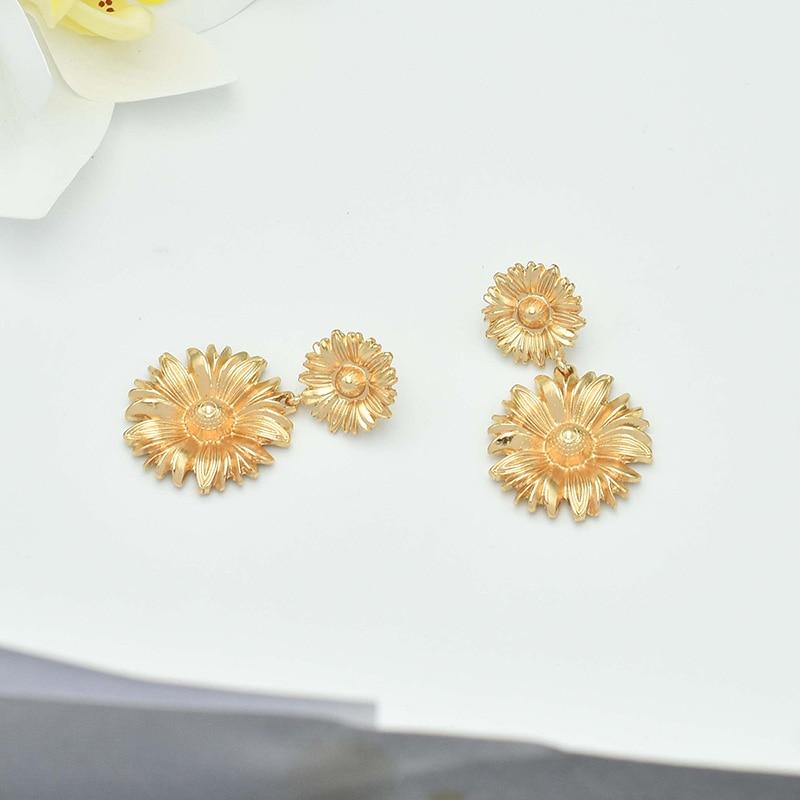 Carvejewl Post Earrings two daisy flowers pendant Dangle Earrings For Women jewelry girl gift new fashion Korean earrings 2019 in Drop Earrings from Jewelry Accessories