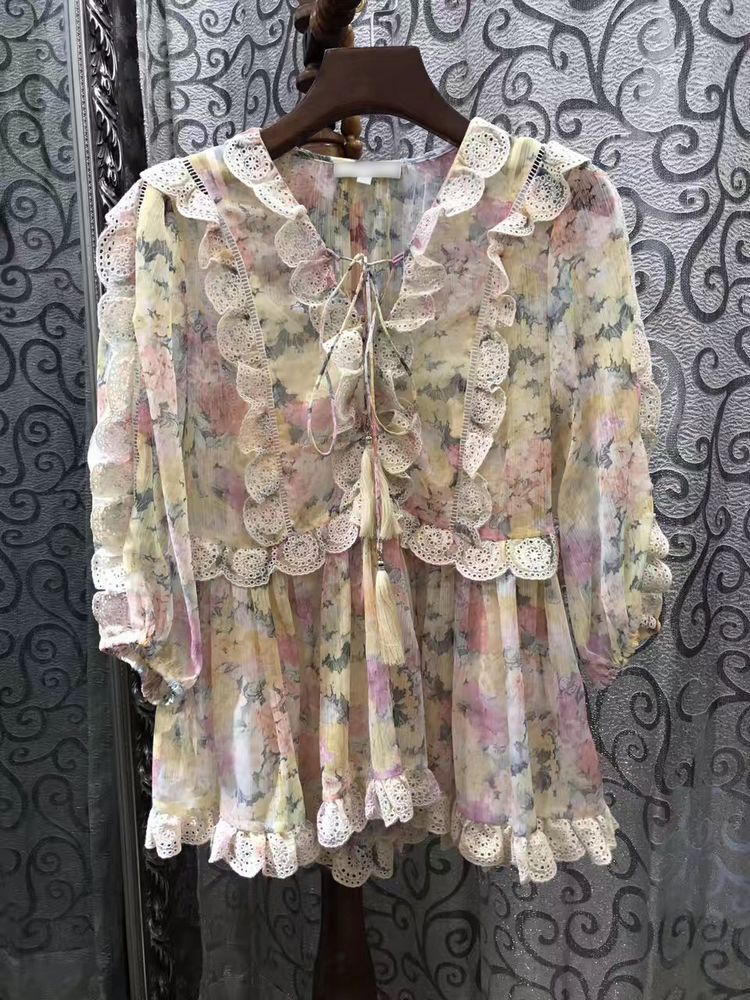 Europe 2017 new spring and summer lace collar ladies V hollow lotus lace floral top 5A