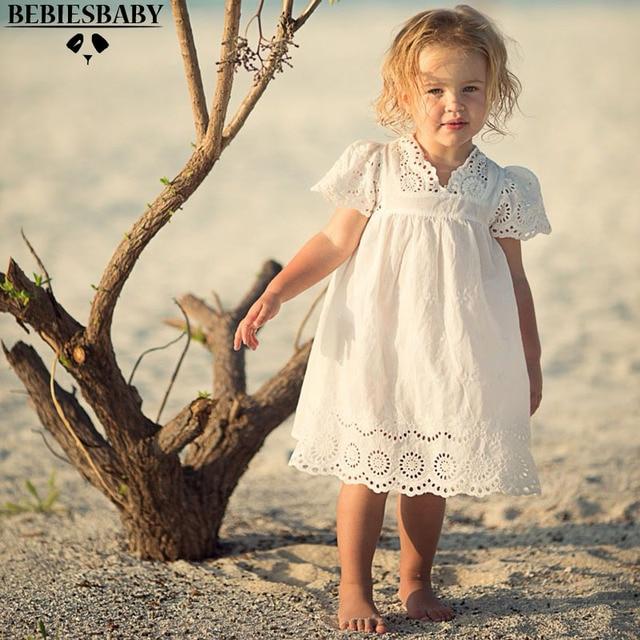 a6afabe14 Bebê Vestidos de Renda Branca com Mangas Longos vestidos de Casamento Muito  Bonito Infantil Do Bebê