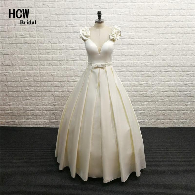 Elegant Long Prom Dresses V Neck Sleeveless Light Champagne Satin ...
