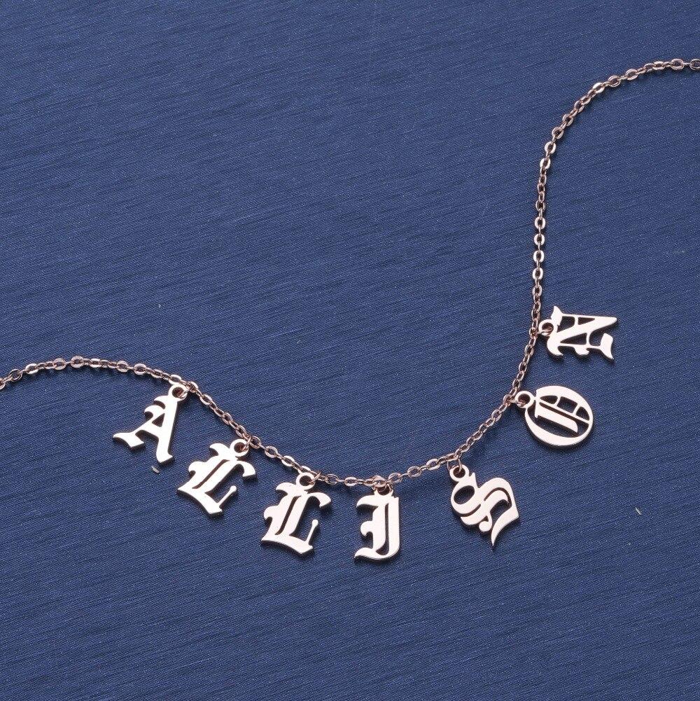 DUOYING Old English Stile Personalizzato Piccolo Lettera Collane con pendente di Bellezza Vintage Carattere Personalizzato Choker Collana con Nome per Etsy