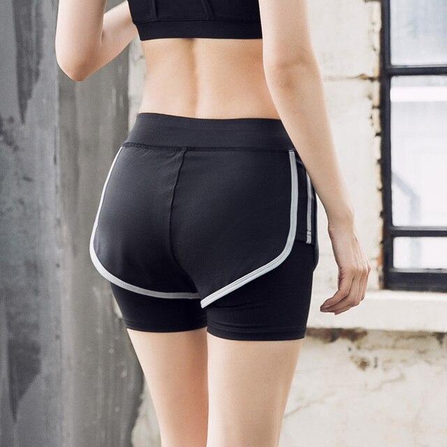 nuovi stili 002f9 4586d US $32.47 |Donne Pantaloncini Sportivi Pantaloncini Da Corsa 2 Nel 1  Signore di Fitness pantaloncini Corti Palestra di Yoga Sexy Pantaloni di  Scarsità ...