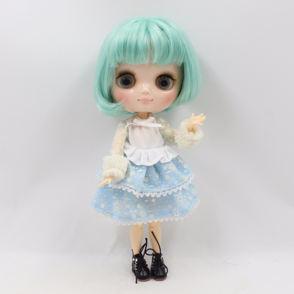 Middie Blythe Doll with Mint Hair, Tilting-Head & Jointed Body 2