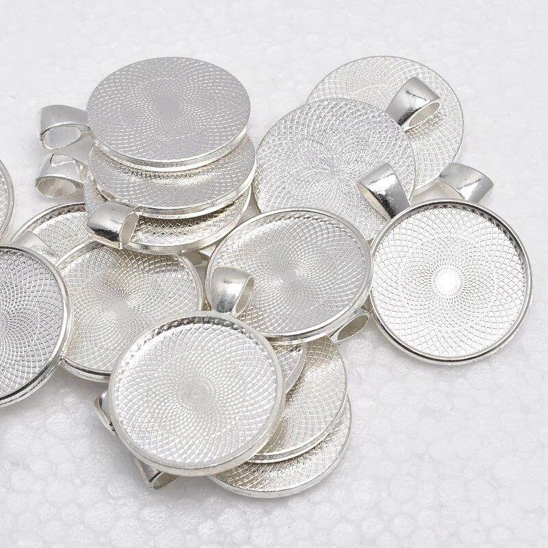 Takı ve Aksesuarları'ten Gerdanlıklar'de 1 inç Yuvarlak Parlak Gümüş Kaplama Kolye Tepsileri, Boş Kolye Üsleri, 25mm Çerçeve Kolye Ayarları Cam veya Çıkartmalar'da  Grup 1
